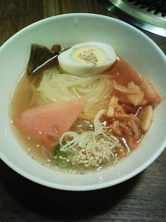 ぴょんぴょん舎の冷麺