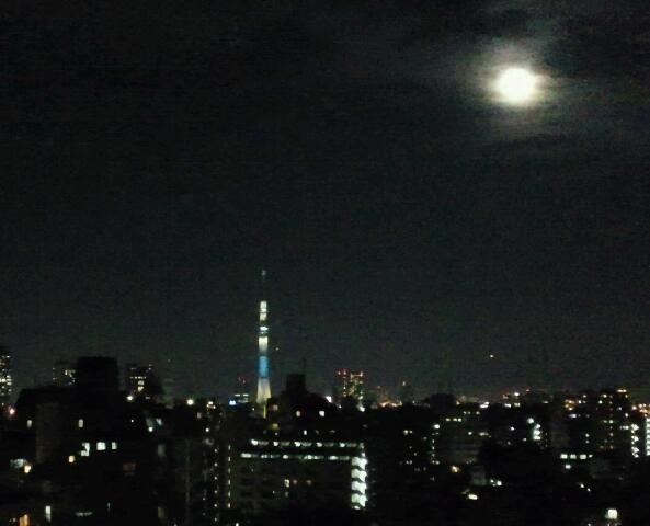お月様とツーショット