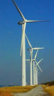 アートみたい!八竜風力発電所