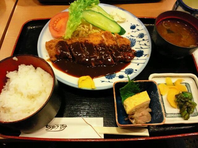 名古屋ロケで味噌カツ